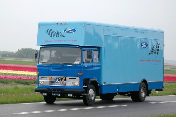 mercedes benz lp 1113b van ginkel veteranen vrachtauto vereniging noord nederland. Black Bedroom Furniture Sets. Home Design Ideas