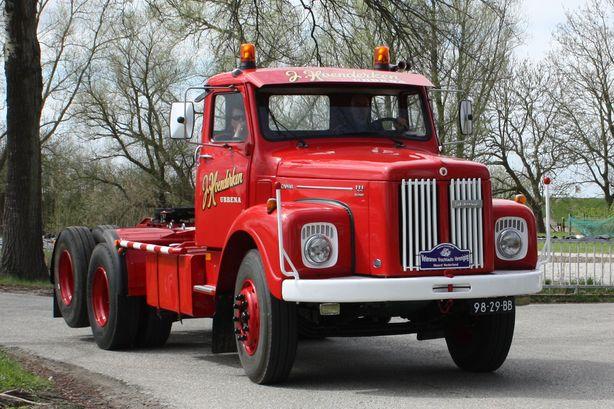 Hoenderken Ubbena    98-29-BB  Scania LS 111 Super