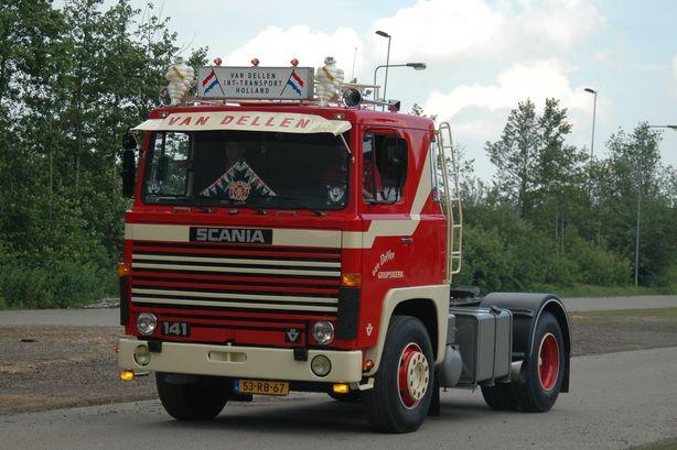 van Dellen  Grijpskerk  53-RB-67   Scania 141  vertrek