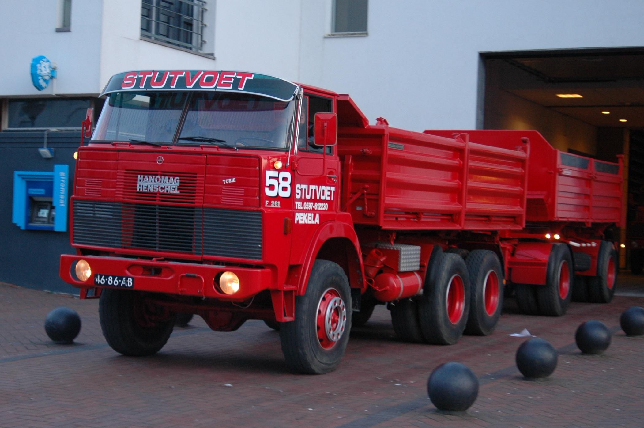 stutvoet-oude-pekela-46-86-ab-hanomag-henschel-f-261